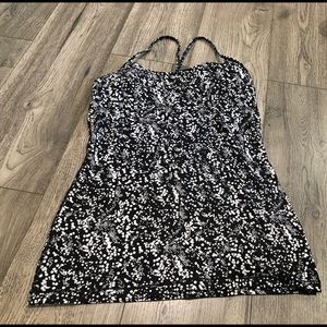 Lululemon Power Y Tank in Chirasu Black Size 8